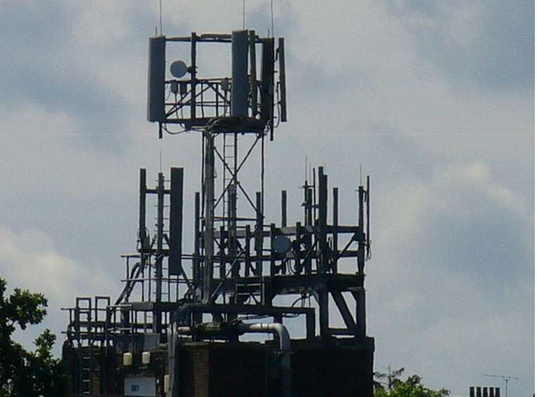 GSM-/UMTS-Station