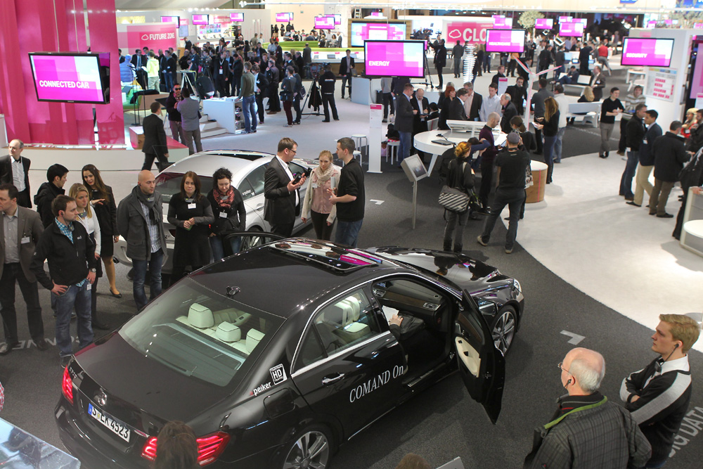 Telekom: Connected Car auf der Cebit 2013
